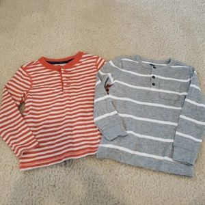 Lot of 2 Old Navy sz 4t tops